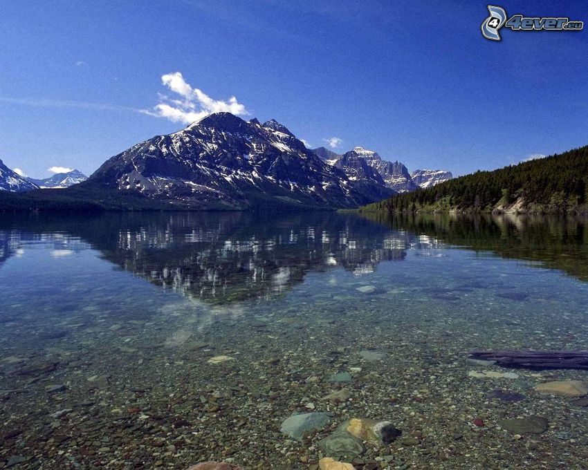 sjö, klippigt berg