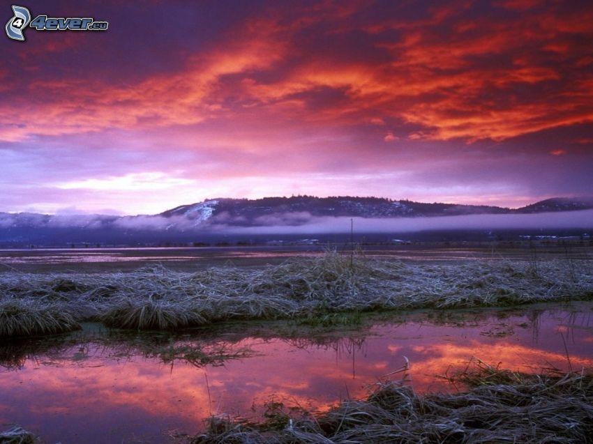 vinterlandskap, flod, bergskedja, röd himmel