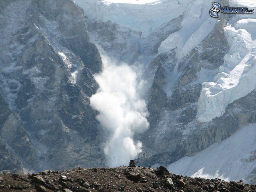 lavin, klippigt berg
