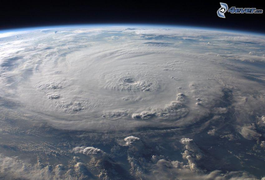 orkan, syn från rymden