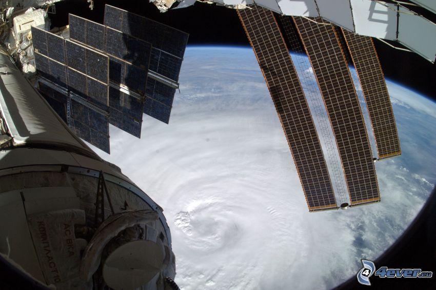 Internationella rymdstationen ISS, Jorden