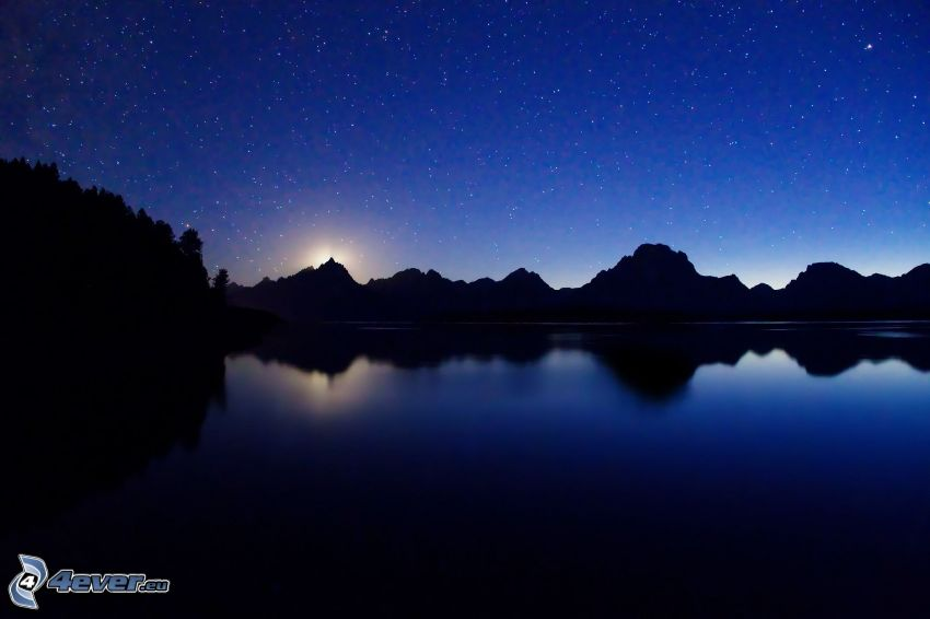 sjö, bergskedja, stjärnhimmel