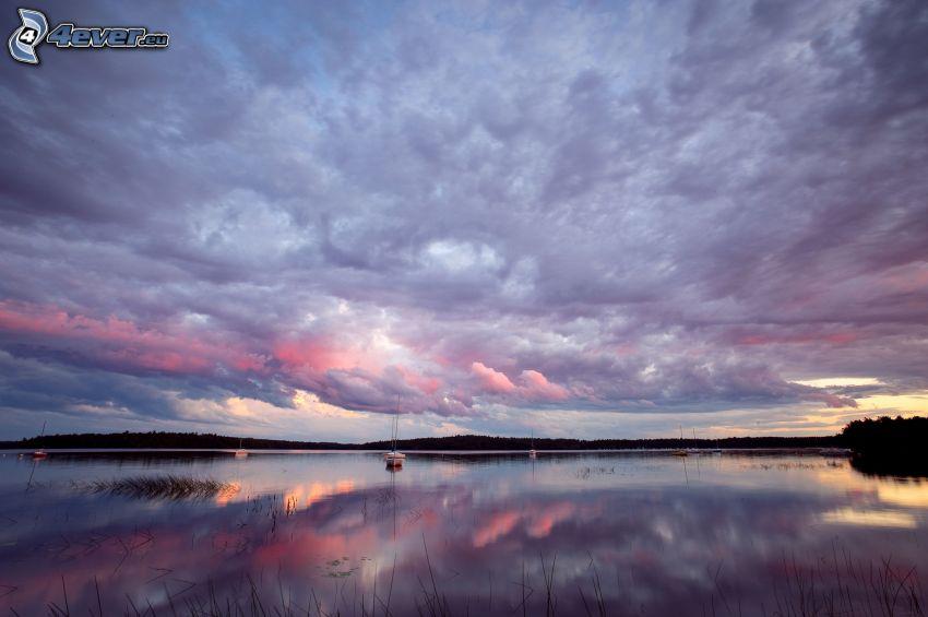sjö, lila himmel, moln