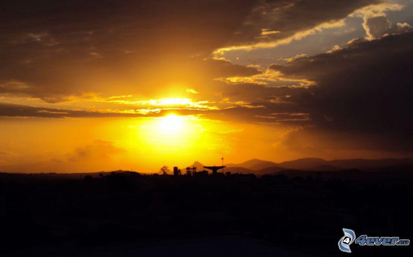 solnedgång, gul himmel