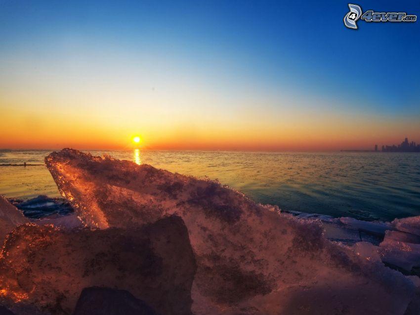 solnedgång över havet, glaciär