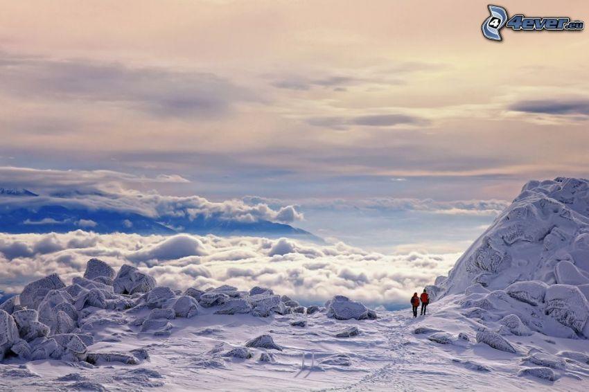 turister, snö, ovanför molnen