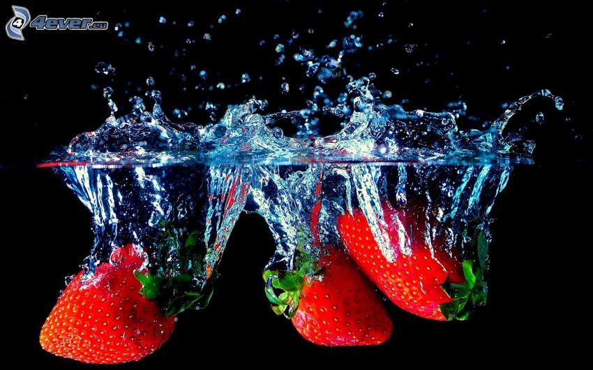 jordgubbar, vatten, plask