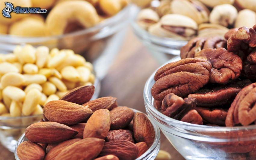 nötter, mandlar, pistaschnötter, valnötter