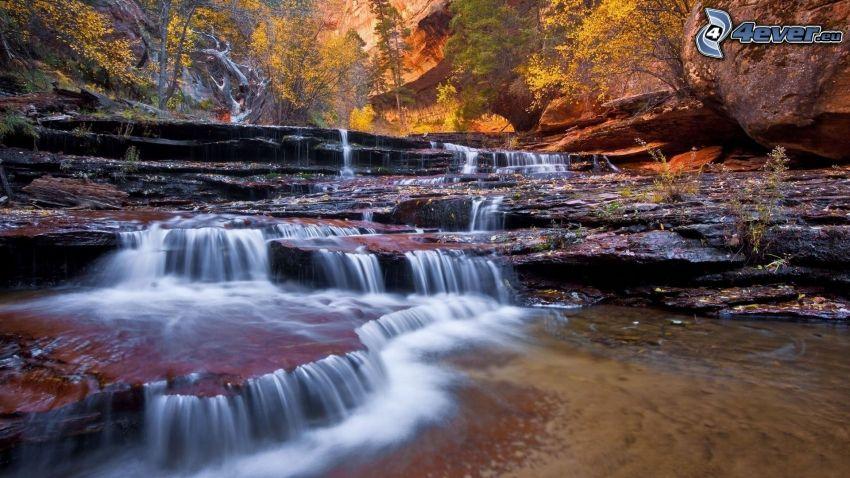 Zion National Park, vattenfall, kaskader, klippor, flod