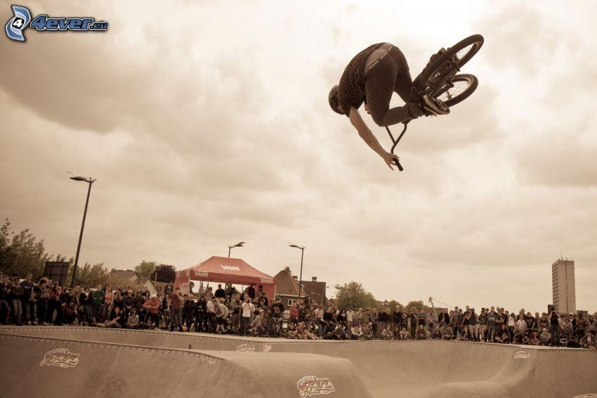 hopp på cykel, akrobatik