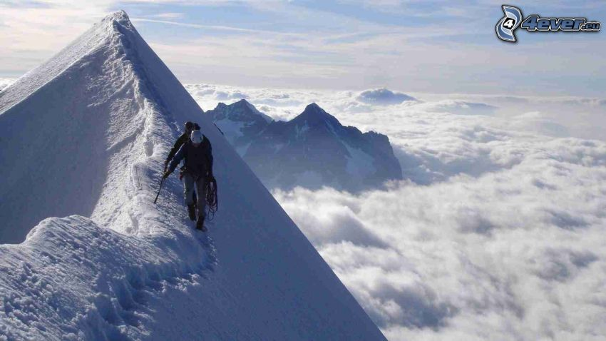 turister, snöklädda berg, bergstopp, ovanför molnen