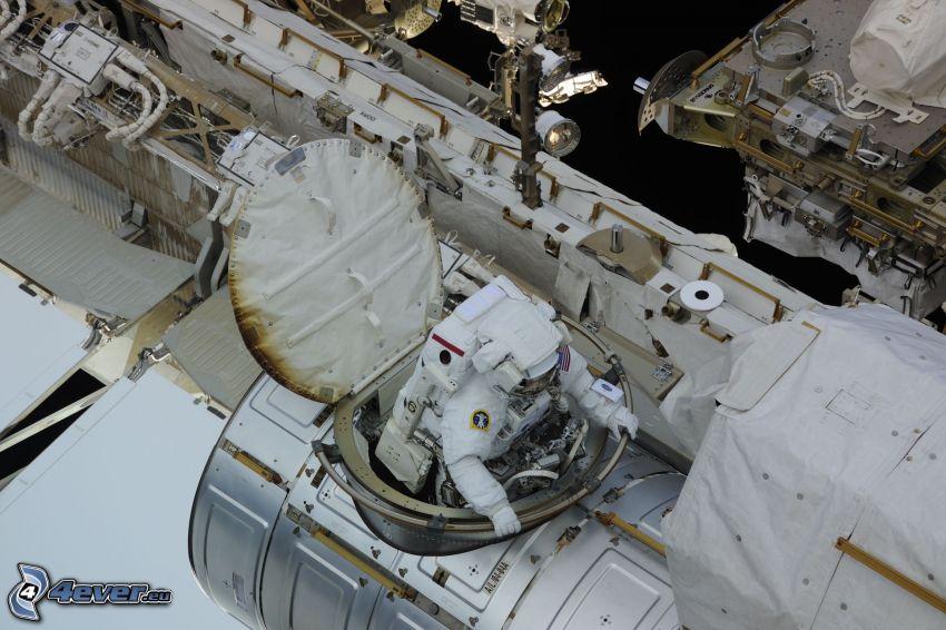 astronaut på ISS, Internationella rymdstationen ISS