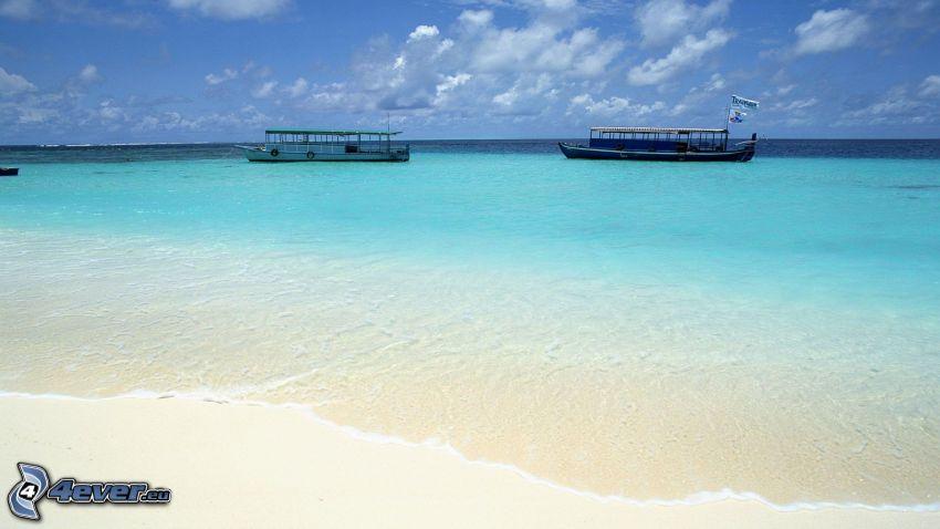 fartyg, öppet hav, grunt azurblå hav, sandstrand