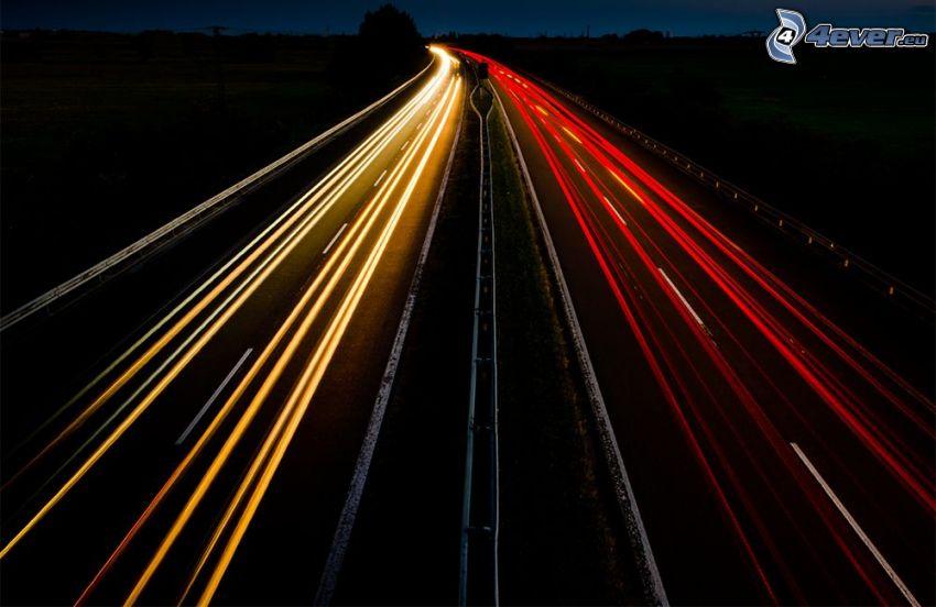 motorväg på natten, ljus