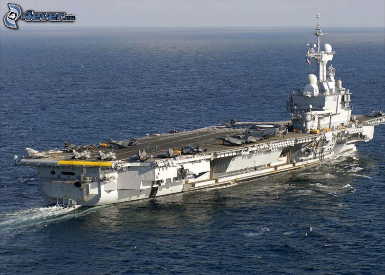 R91 Charles de Gaulle, hangarfartyg, öppet hav