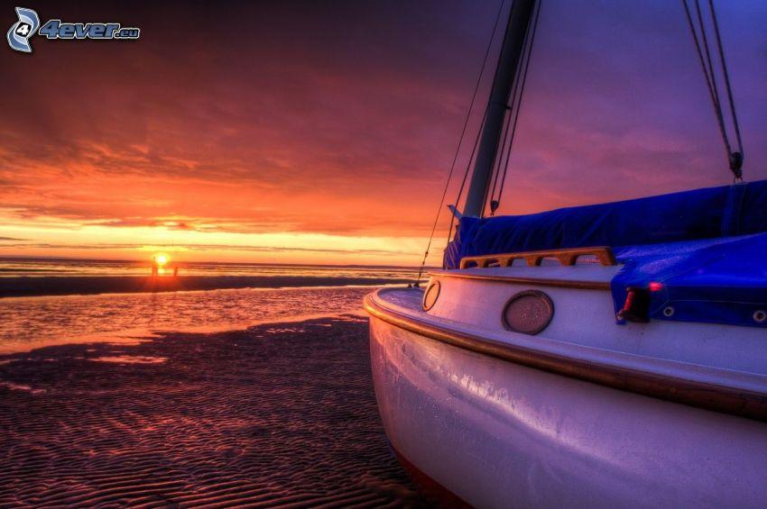 segelbåt, solnedgång över havet, orange himmel