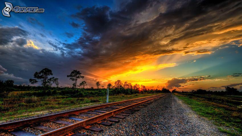 järnväg, gula moln, efter solnedgången, HDR