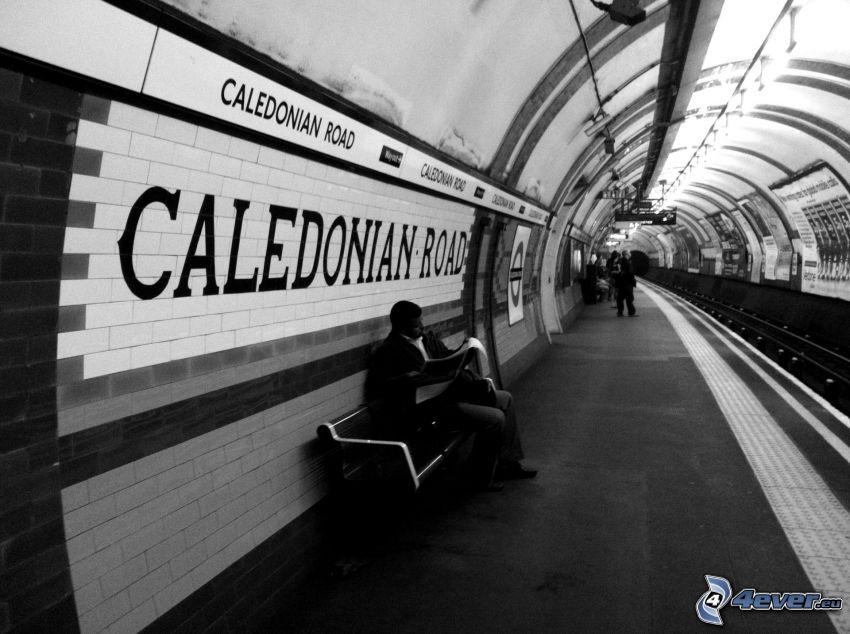 tunnelbana, man på bänk