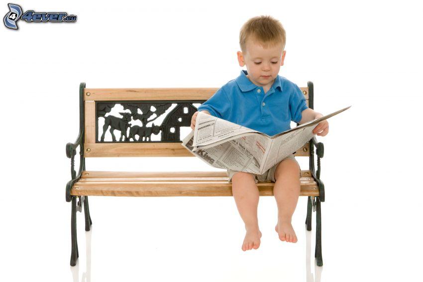 liten pojke, tidning, bänk, barn på bänk