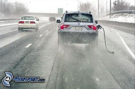 BMW X3, bensin, motorväg, snöig väg