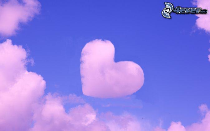 corazón en el cielo, nubes