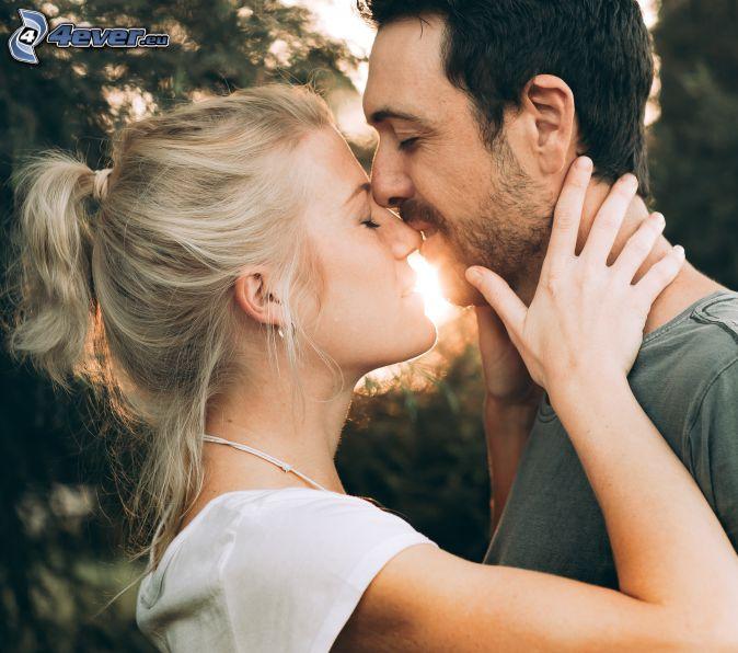pareja, beso, sol