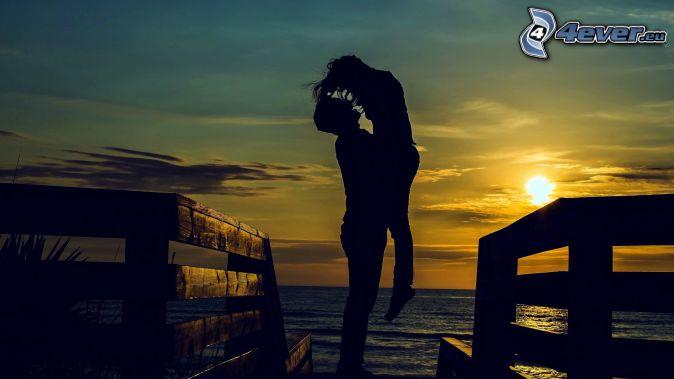 pareja, puesta de sol sobre el mar, Alta Mar, escaleras de madera