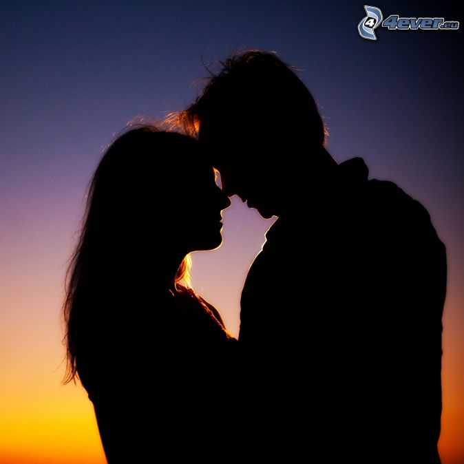 silueta de una pareja, abrazar