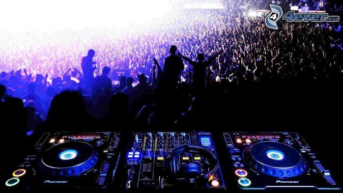 DJ consola, concierto, multitud, Fans