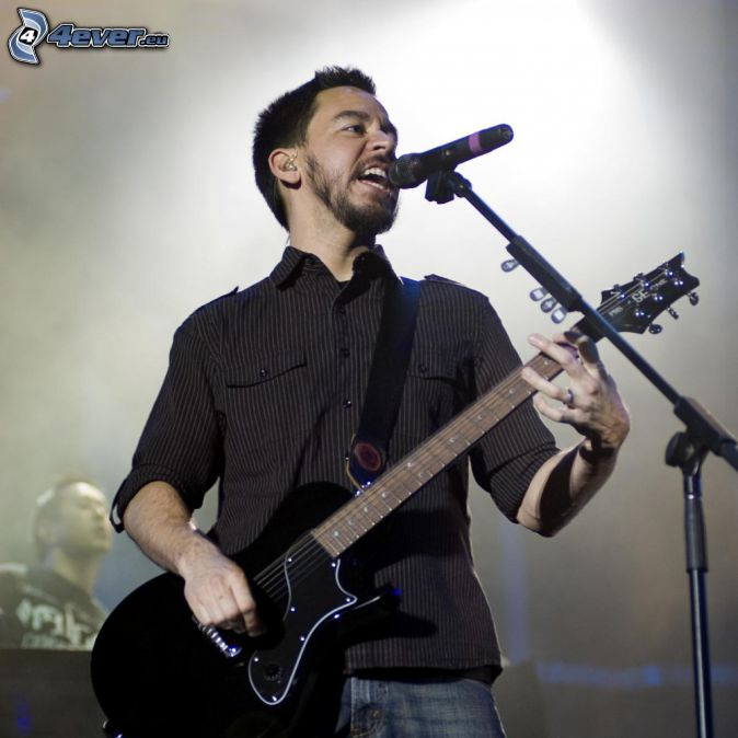 Mike Shinoda, Guitarrista, canción, concierto