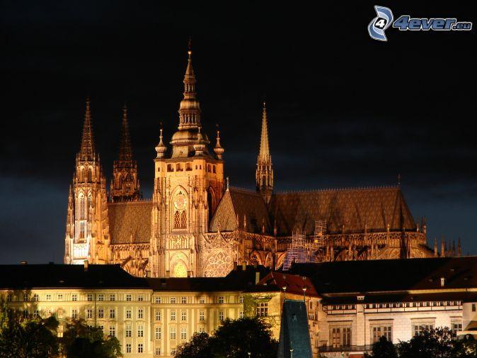 Castillo de Praga, ciudad de noche, Praga