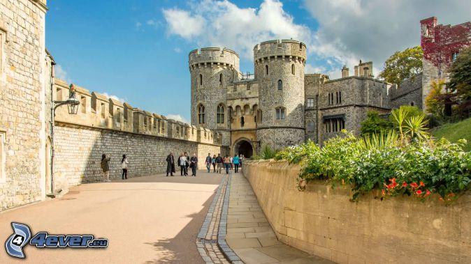 Castillo de Windsor, acera, turistas