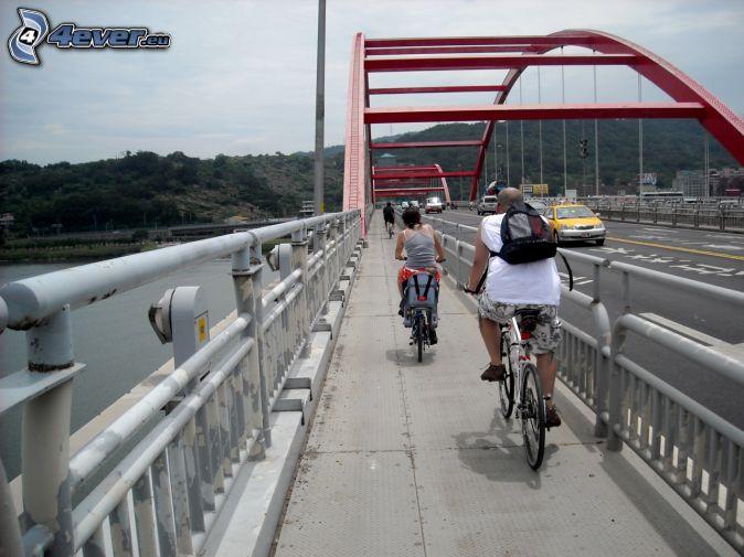 Guandu Bridge, ciclistas