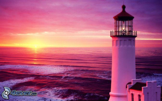Se va escondiendo el sol Faro-al-atardecer,-cielo-purpura,-mar-204677