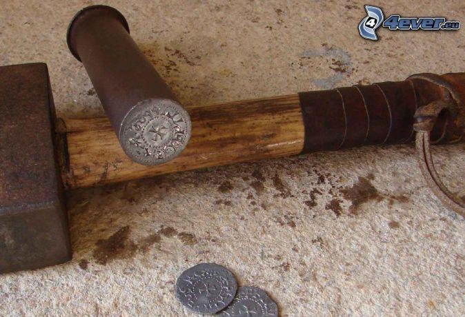 martillo, moneda