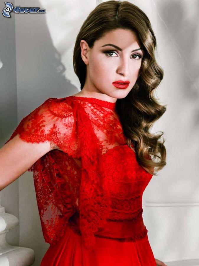 Helena Paparizou, vestido rojo, labios rojos