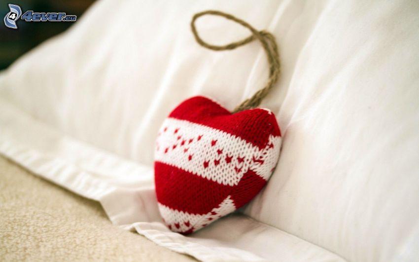 corazón, almohada