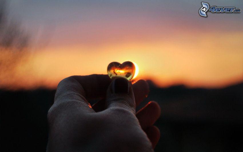 corazón, mano