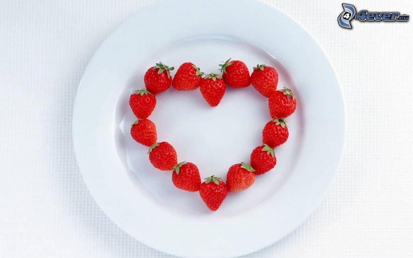 corazón de fresas, amor, plato