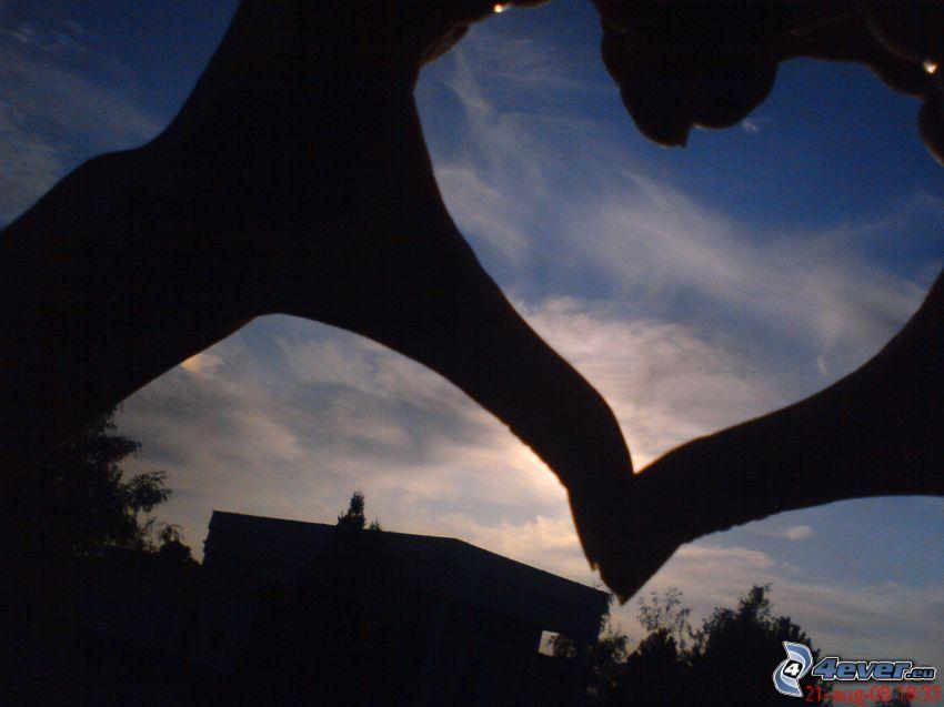 corazón de las manos, cielo, puesta del sol, siluetas