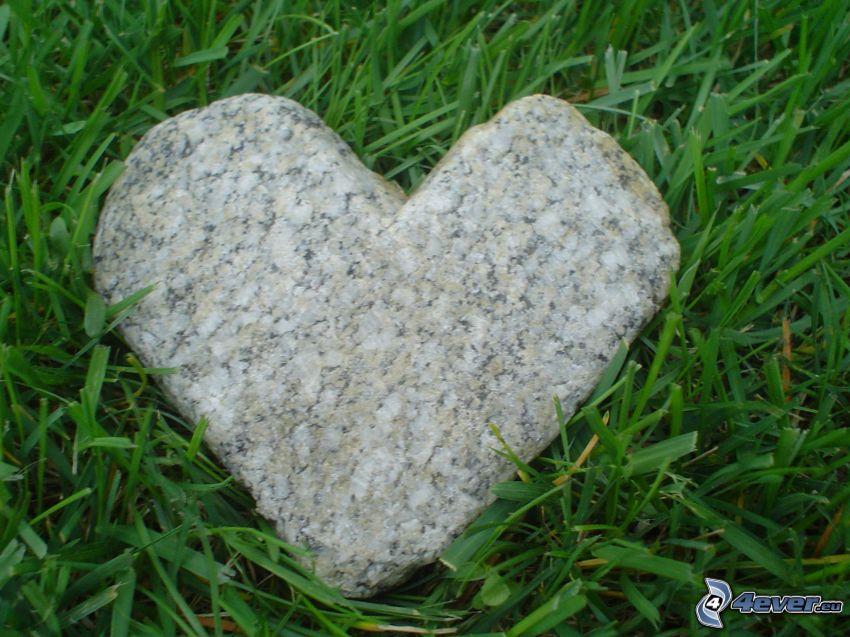 corazón de piedra, hierba