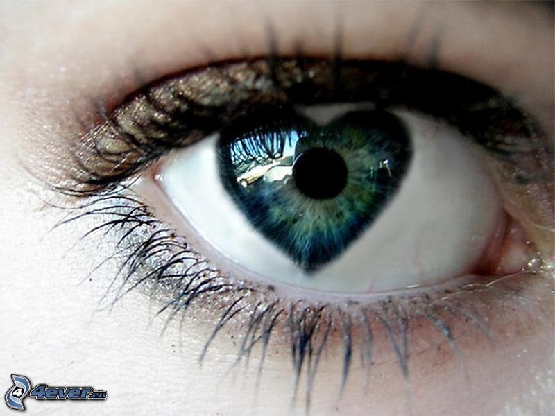 corazón en el ojo
