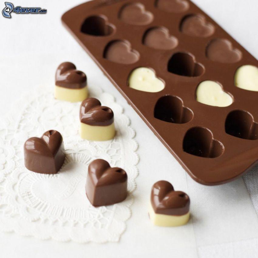 corazones de chocolate, bombones de chocolate