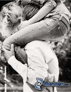 beso acrobático, amor, pareja
