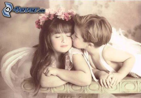 niña y niño, beso, amor