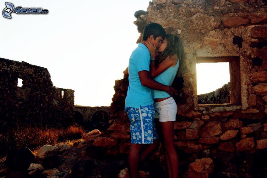 pareja, beso, ruinas, ventana