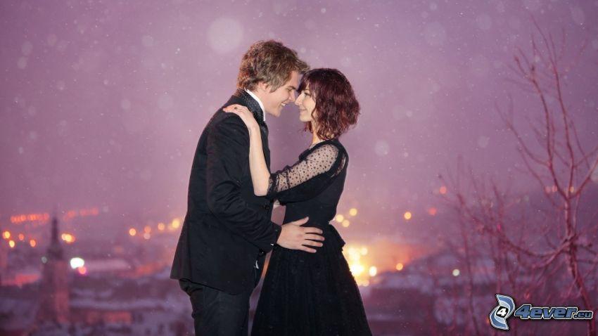pareja en abrazo, vista, ciudad, suerte