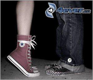 pies, botas de china, zapatos deportivos, beso, Converse
