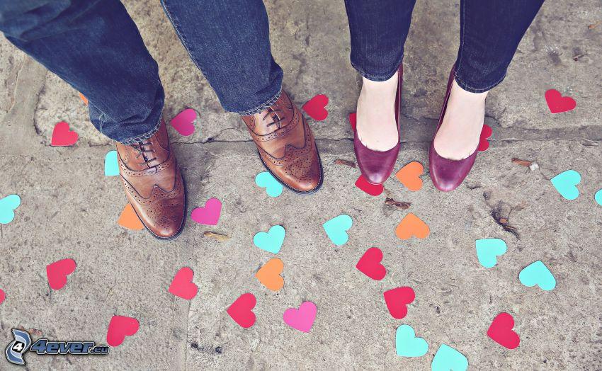 pies, pareja, corazones