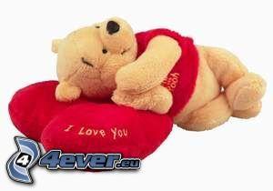 Winnie the Pooh, oso de peluche, almohada de corazones